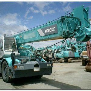 Cẩu bánh lốp Kobelco RK250 trọng tải 25 tấn