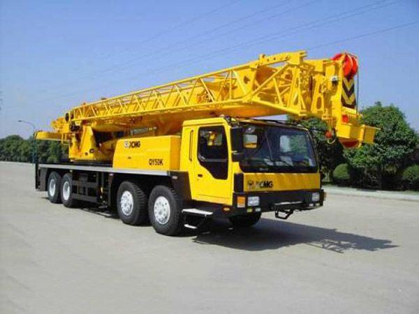 Cẩu bánh lốp XCMG QY50K trọng tải 50 tấn