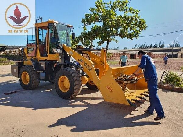 Bàn giao máy xúc lật JF932 cho nhà máy gạch Nam Anh, tỉnh Hải Dương-1
