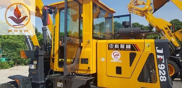 Bàn giao máy xúc lật JF928 cho khách hàng ở Thái Nguyên-1