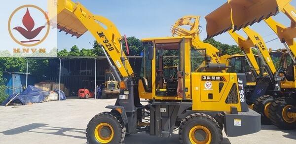 Bàn giao máy xúc lật JF928 cho khách hàng ở Thái Nguyên