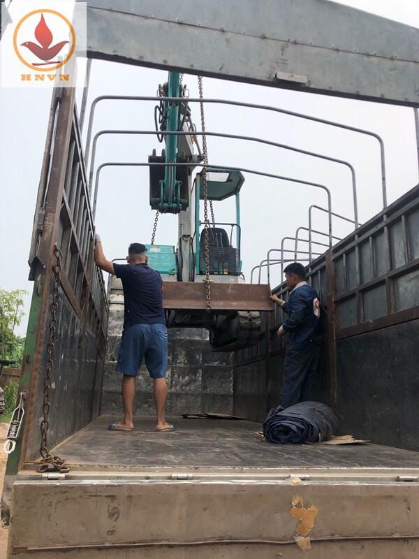 Bán máy xúc PC28 cho khách vip Phong Thổ - Lai Châu