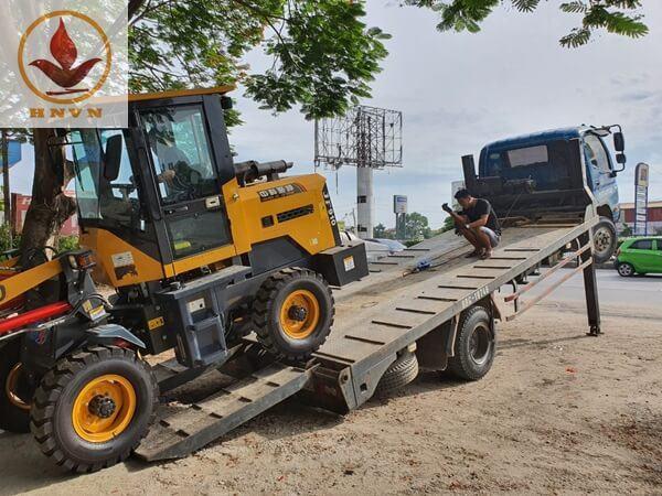 Vận chuyển máy xúc lật JF910 cho khách hàng tại Ninh Bình-2