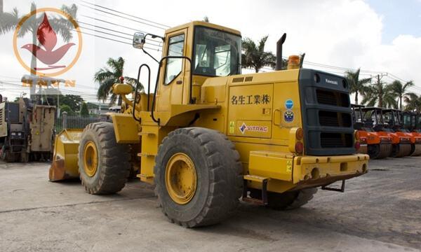 Máy xúc lật Kawasaki 80ZA gầu 3.2m3-2