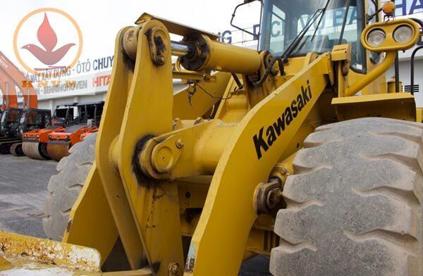 Máy xúc lật Kawasaki 80ZA gầu 3.2m3-5
