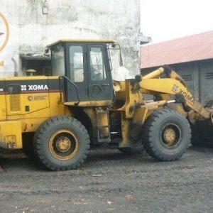 Máy xúc lật XG932III gầu 2m3
