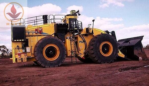Top 5 máy xúc lật lớn nhất thế giới-3