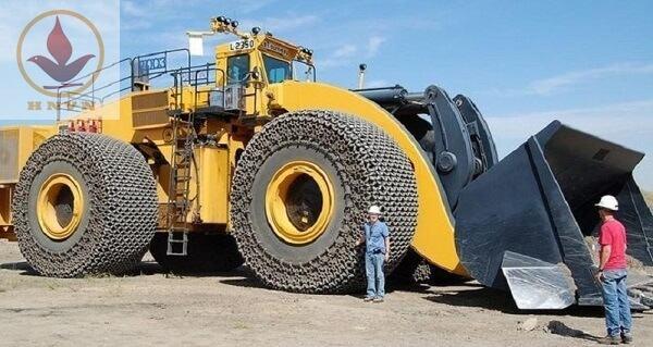Top 5 máy xúc lật lớn nhất thế giới