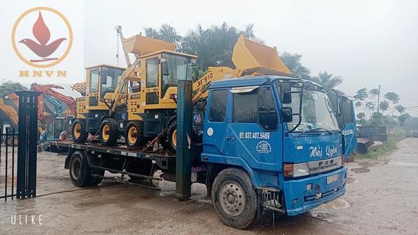 Bàn giao 2 máy xúc lật JF910 cho công ty TNHH vận tải Tiến Trường