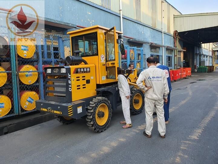 Bàn giao máy xúc lật JF910 cho nhà máy thép Hòa Phát, Hưng Yên-2