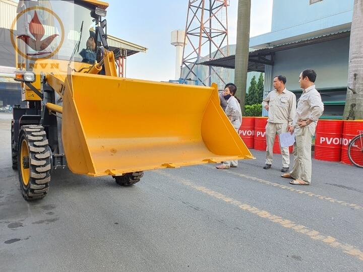 Bàn giao máy xúc lật JF910 cho nhà máy thép Hòa Phát, Hưng Yên-4