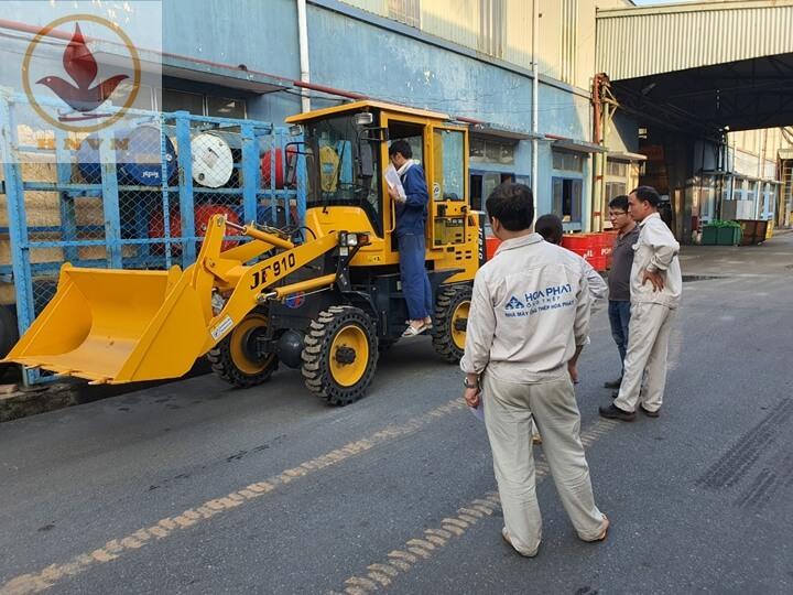 Bàn giao máy xúc lật JF910 cho nhà máy thép Hòa Phát, Hưng Yên-5