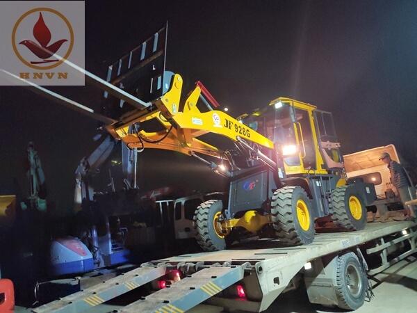 Bàn giao máy xúc lật JF932G đi Hà Giang
